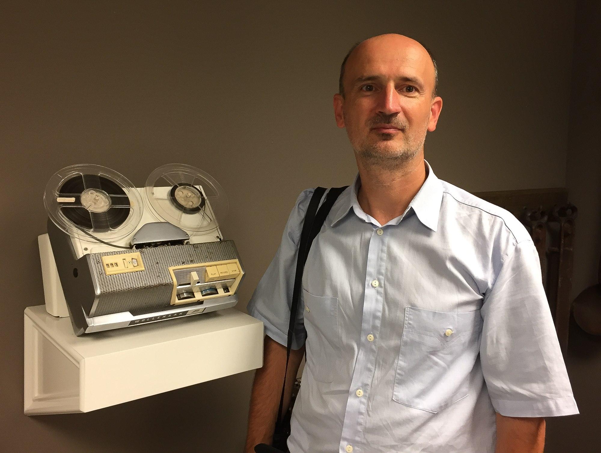 Magnetofon pe care erau înregistrate predicile fratelui Branham